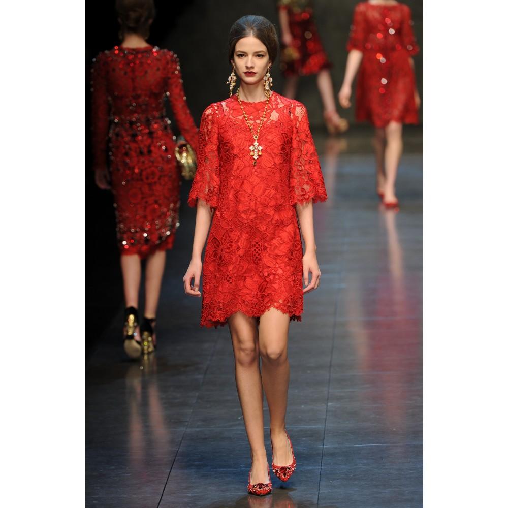 Red Lace Dress alla Dolce & Gabbana « TallFashionBlog