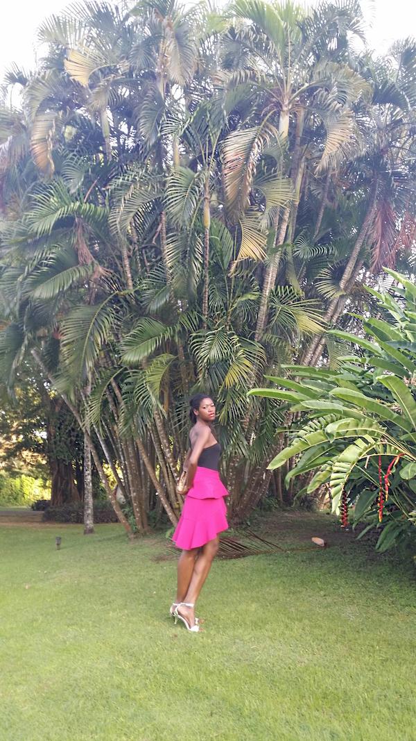 pam_Tallfashionblog_h&m_asymetric_top_clutch_zara_pink_frill_skirt_fioni_silver_sandals